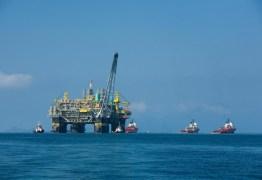 Preço do petróleo americano despenca e opera negativo pela primeira vez na história