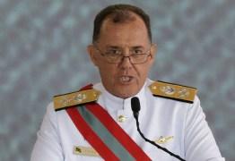 Marinha investiga cerca de 30 navios e 'dark ships' na busca por origem de óleo