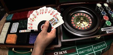1868b2f73a4eb50914b499152d2ebfb5 - Dupla é presa suspeita de administrar casa de jogos de azar em João Pessoa