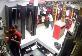 Criminosos roubam loja do Flamengo e comemoram nas redes sociais – VEJA VÍDEO