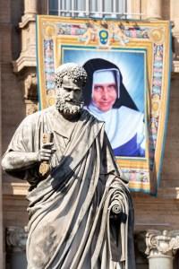 20191013 Holy Mass and Canonization Daniel Ibanez 52 200x300 - PRIMEIRA SANTA NORDESTINA: Papa Francisco canonizou neste domingo Irmã Dulce