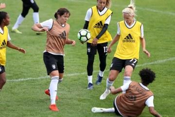 26158235 - FIFA investe 449 milhões de euros para desenvolver o futebol feminino
