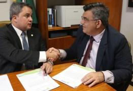 Efraim Filho libera mais de R$ 230 mil para obras de infraestrutura em Caaporã