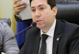 'Fico honrado e envaidecido com o convite de Genival' diz Felipe Leitão sobre possível filiação ao Avante