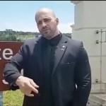 9d07c24fc0e2132c667af1547fdcc6b0 - Deputado que quebrou a placa de Marielle arremessa celular de jornalista - VEJA VÍDEO