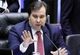 """Rodrigo Maia afirma que Caixa """"rouba"""" R$ 7 bilhões por ano de trabalhador com taxa de FGTS"""