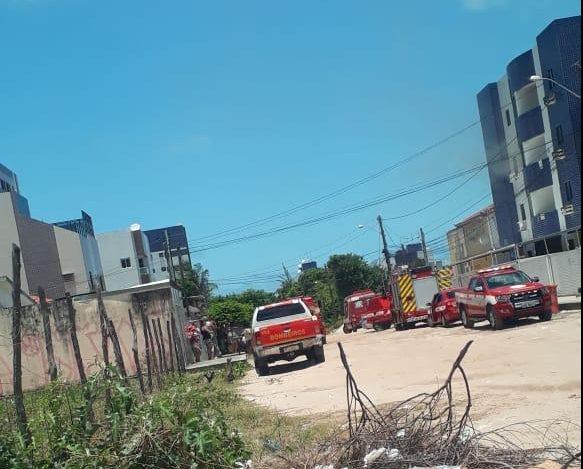 APARTAMENTO INCENDIO e1571156798802 - INCÊNDIO NOS BANCÁRIOS: Corpo de Bombeiros age para conter fogo em apartamento - VEJA VÍDEO