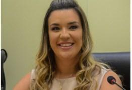 Camila diz que mulheres ainda enfrentam machismo na política