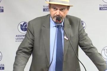 Jeová Campos relembra sua trajetória e fala sobre a importância da Educação na sua vida. - Jeová Campos lamenta rejeição de Voto de Repúdio a Bolsonaro por situação da Amazônia