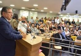 Em sessão conjunta, Adriano Galdino recebe cidadania pessoense e medalha Epitácio Pessoa