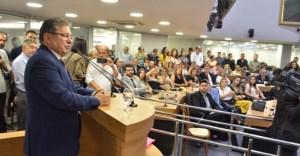 WhatsApp Image 2019 10 21 at 5.44.59 PM 780x405 300x156 - Em sessão conjunta, Adriano Galdino recebe cidadania pessoense e medalha Epitácio Pessoa