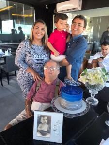 WhatsApp Image 2019 10 22 at 19.58.40 225x300 - Empresário José Nello Zerinho faz aniversário e, recebe homenagem do Padre Albeni; confira