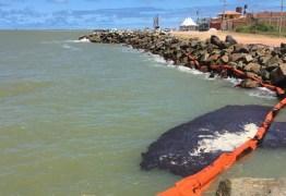 AINDA COM ORIGEM DESCONHECIDA: Imprensa internacional destaca manchas de petróleo que atinge todos os estados do Nordeste
