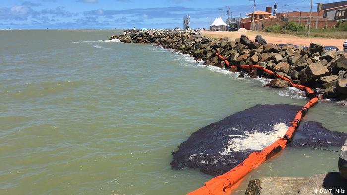 ancha petroleo - Turismo do Nordeste teme que óleo nas praias arruíne temporada de verão