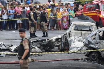 avião caiu bh - Morre piloto da aeronave que caiu em área residencial de Belo Horizonte