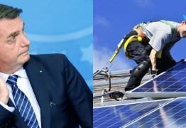 Bolsonaro critica proposta da Aneel de tributar energia solar: 'Taxar o sol já vai para o deboche'