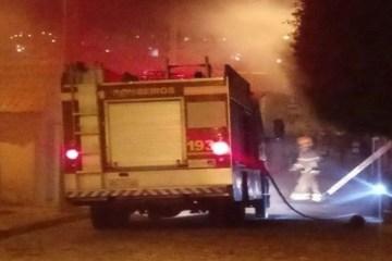 EXPLOSÃO: Vazamento em botijão de gás, destrói casa e deixa uma pessoa ferida em João Pessoa