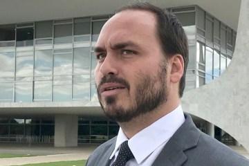 MATOU O PORTUGUÊS: Carlos Bolsonaro debocha de de convocação na CPI das Fake News e comete erro gritante