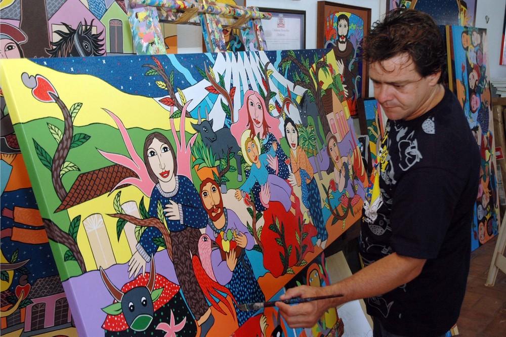 clovis junior artista plastico francisco franca - Obras de artista plástico são leiloadas e dinheiro arrecadado é doado para Hospital Napoleão Laureano