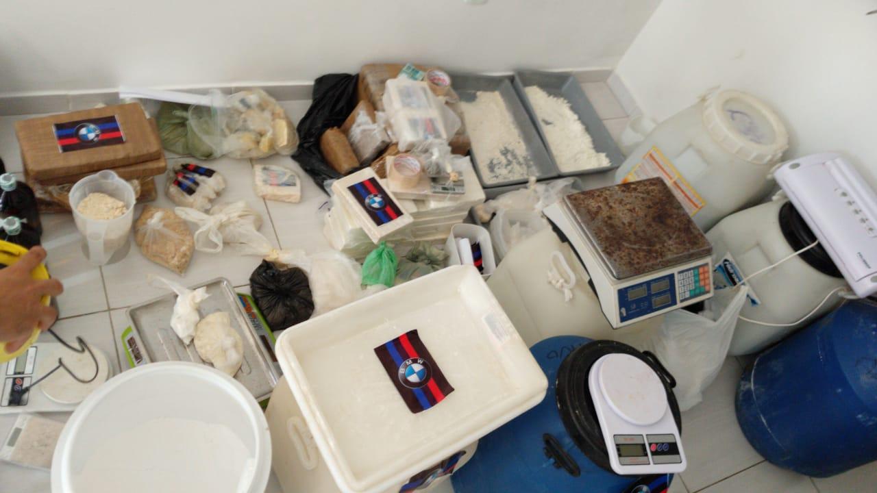 cocaína - Polícia localiza laboratório que preparava cocaína para ser distribuída na Paraíba e Pernambuco