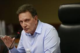 Gestão Crivella quer processar quem criticar demora em obras da prefeitura do Rio