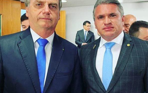 julian e bolsonaro 593x375 - Julian Lemos afirma que ele e Bolsonaro permanecerão no PSL 'para choro de muitos': 'O PSL mais forte do que nunca'