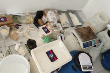 laboratorio de cocaina PB - A QUÍMICA DO MAL: Polícia Militar desarticula laboratório de cocaína em casa de veraneio na Grande João Pessoa