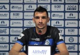 NOVIDADE: Botafogo-PB contrata zagueiro com passagem pelo clube e chega a quatro jogadores para a posição