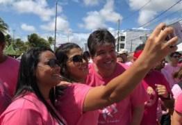 Ruy Carneiro participa de Caminhada Rosa em João Pessoa