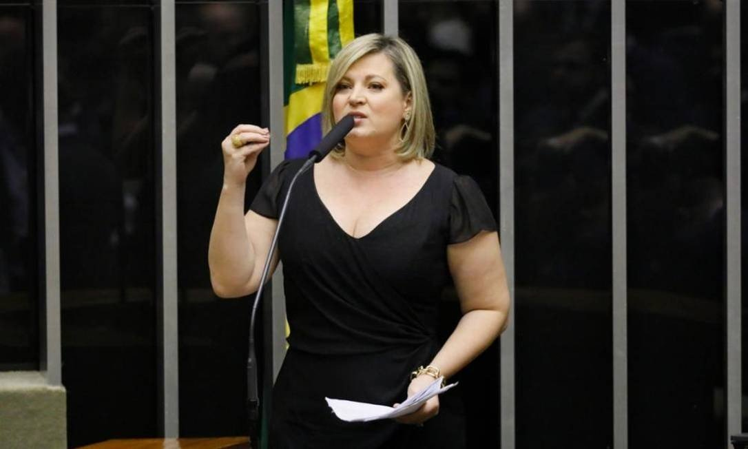 xJoice Hasselmann.jpg.pagespeed.ic .tbFzWoPlye - Em crise com Bolsonaro, Joice Hasselmann perde mais de 100 mil seguidores nas redes sociais