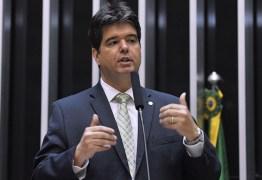 'Avanços muito importantes', Ruy Carneiro comemora aprovação de MP que regulamenta Médicos pelo Brasil
