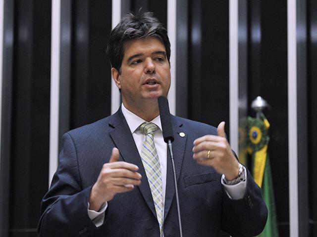 160635 - 'Avanços muito importantes', Ruy Carneiro comemora aprovação de MP que regulamenta Médicos pelo Brasil
