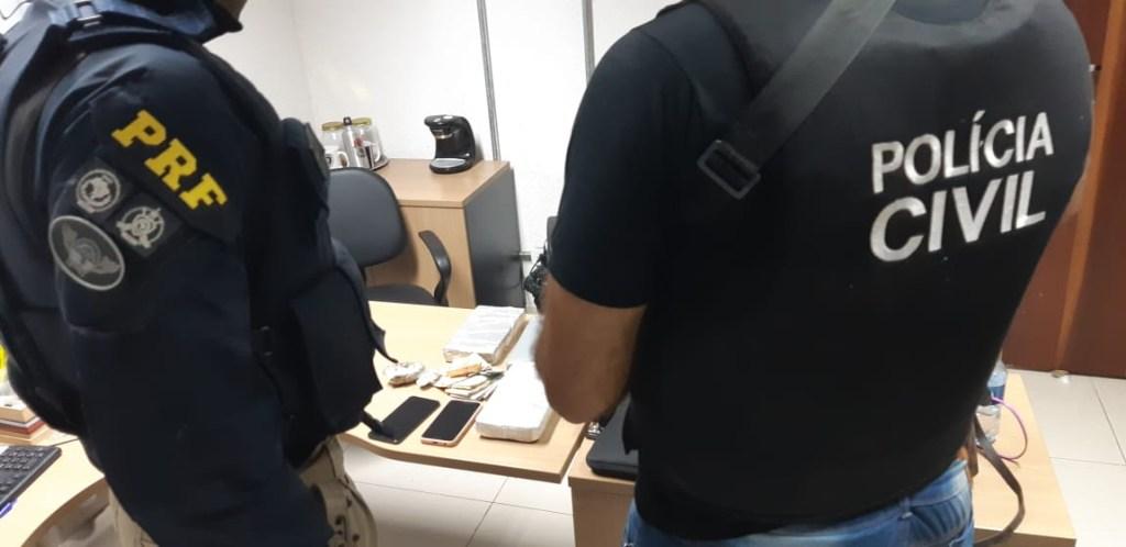 56b94cb3 c456 4457 8ad1 4bd96fc390e5 1024x498 - Ação conjunta entre PRF e Policia Civil apreendem 3kg de cocaína na Paraíba