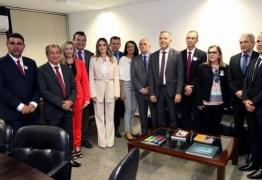 Aguinaldo Ribeiro recebe comitiva de prefeitos e fortalece apoio aos municípios paraibanos