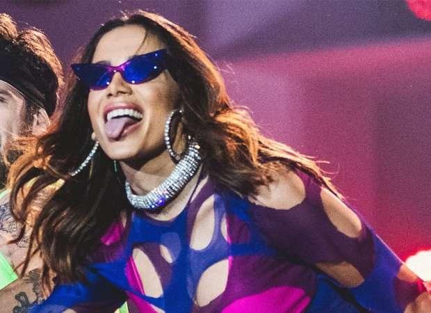 AAIDGqw - Anitta rebate fã que criticou look ousado para final da Libertadores - VEJA VÍDEO