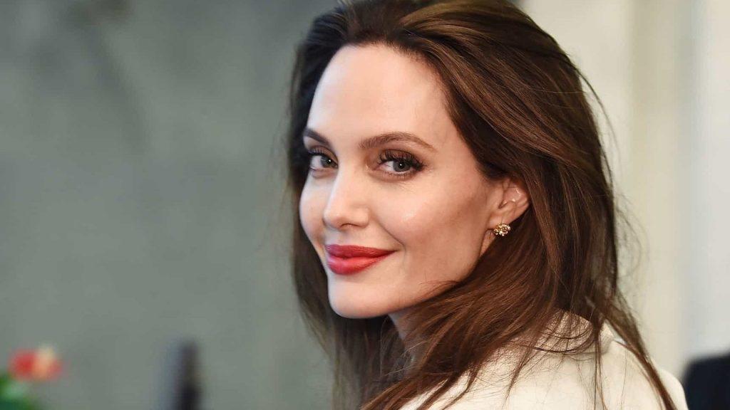 AngelinaJolie ImgDestacadaAtriz 1024x576 - ARREPENDIDA: Angelina Jolie revela descontentamento por ter se casado com Brad Pitt