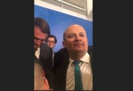 CABO GILBERTO PASSA VERGONHA EM BSB: Bolsonaro mostra insatisfação ao saber que parlamentar é paraibano – VEJA VÍDEO