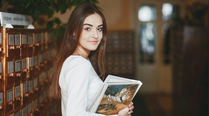 Literatura 800x445 - UEPB abre vagas em cursos de graduação para refugiados em 2020
