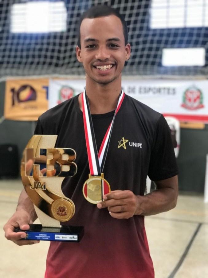 Outlook iltk4io5 696x928 - Paraibano é campeão de Taekwondo na maior competição poliesportiva