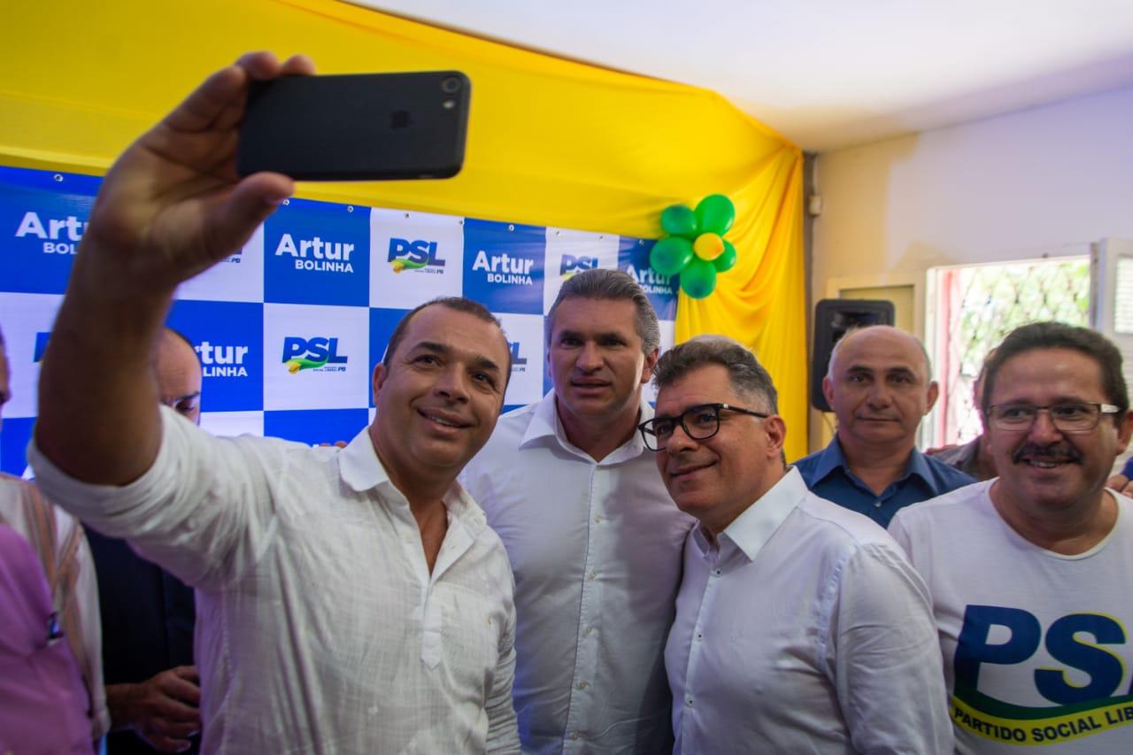 WhatsApp Image 2019 11 01 at 23.06.31 - Arthur Bolinha se filia ao PSL e Julian Lemos destaca 'papel determinante' do partido em Campina Grande