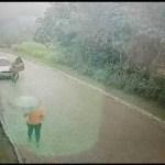 WhatsApp Image 2019 11 19 at 14 35 51 00075330 0 - Homem pelado sai de um carro e tenta atacar mulher - VEJA VÍDEO