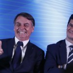 "bolsonaro e moro jonathan campos gazeta do povo 825x752 e1573602092388 - Bolsonaro cogita Moro como vice em 2022 e vê chapa como ""imbatível"""