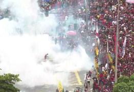 Desfile do Flamengo no Rio termina com confronto e bombas da PM
