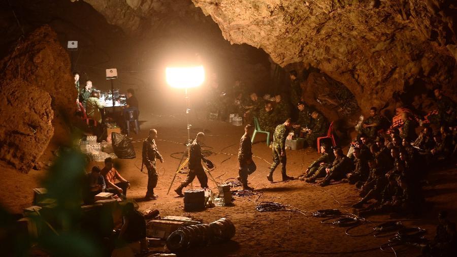 caverna tham luang 1572644900102 v2 900x506 - Caverna em que time de futebol infantil ficou preso é reaberta ao público