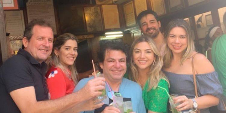 """cuba 750x375 - """"Novo amor"""": menos de um ano após ser denunciado por agressão, prefeito de Sousa curte viagem a Cuba em clima de romance"""