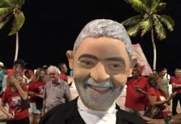 LULA LIVRE: militantes paraibanos comemoram soltura do ex-presidente na Orla da Capital