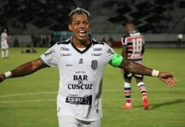 Marcelinho Paraíba anuncia que vai se aposentar do futebol