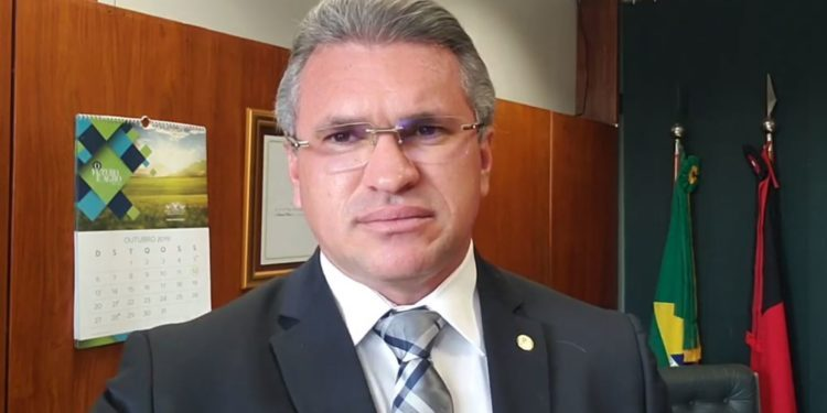 """julian lemos pb 750x375 - PARAIBANO PRESTIGIADO: Julian Lemos não aparece na lista de """"indesejáveis"""" de Bolsonaro no PSL"""