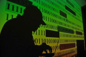 mca abr0905182185 300x200 - Brasil cai em ranking de liberdade da internet