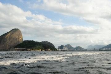 naom 55c2231924b31 - Autoridades já temem que óleo derramado atinja praias do Rio